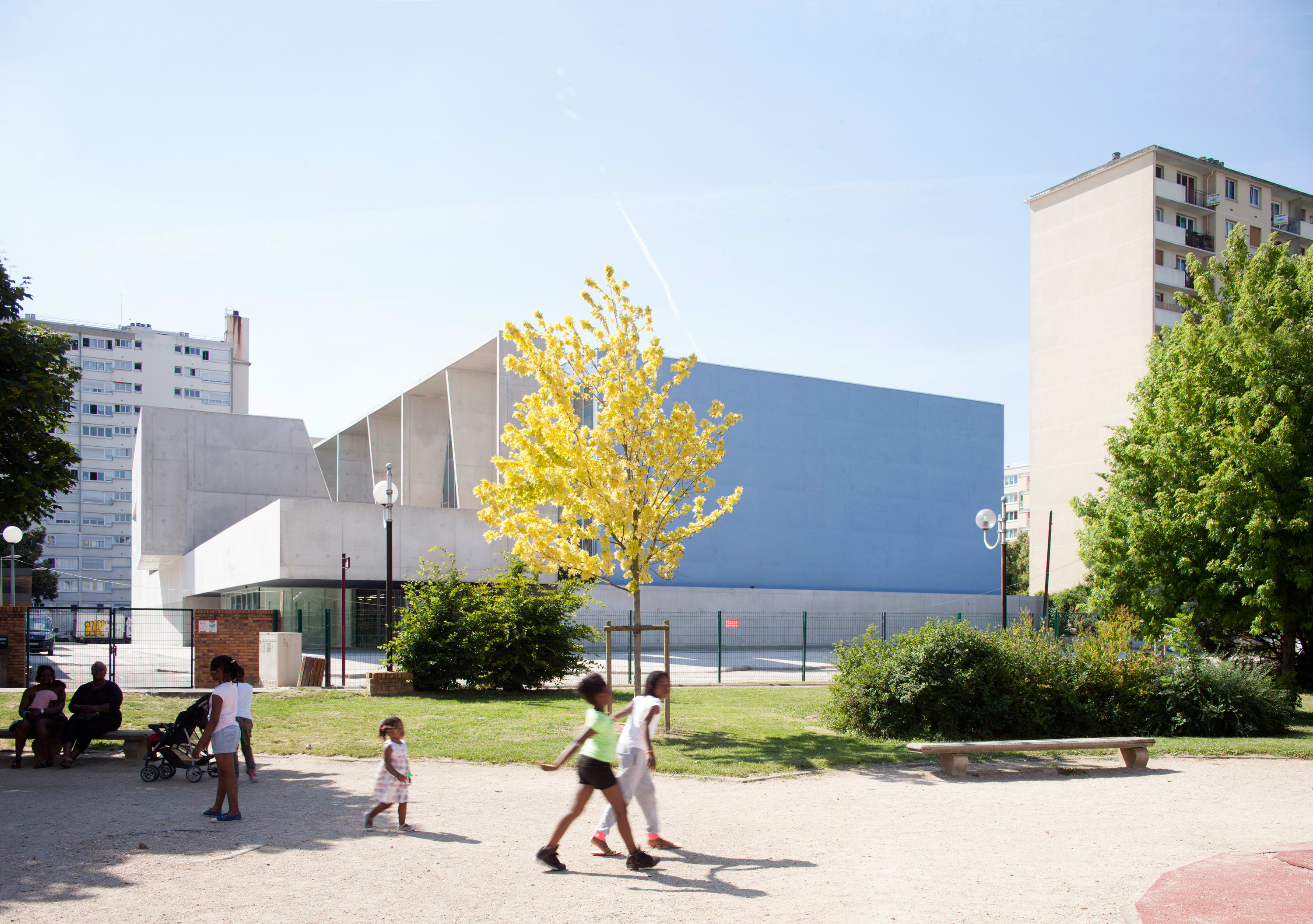 Dominique Coulon Associ S Cl Ment Guillaume David Romero Uzeda Swimming Pool In Bagneux